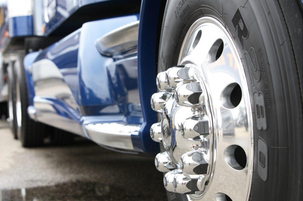 Как выгодно купить шины для грузовика